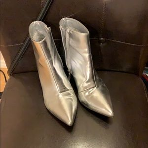 Silver metallic booties sz 8
